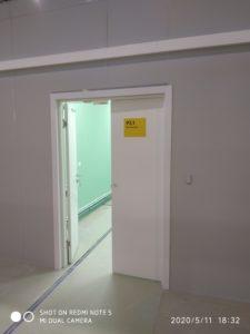 Двери во временном госпитале ВДНХ № 75